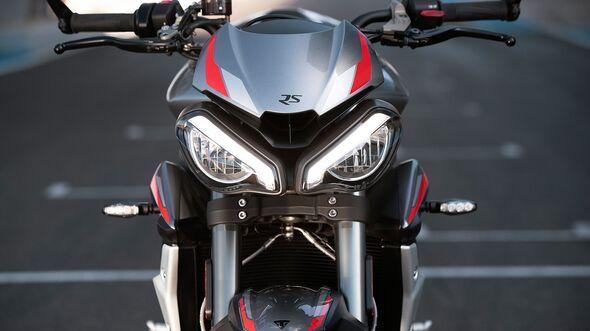10-2019-Triumph-765-Street-Triple-Modelljahr-2020--inlineImageC-afe7bd36-1633816.jpg