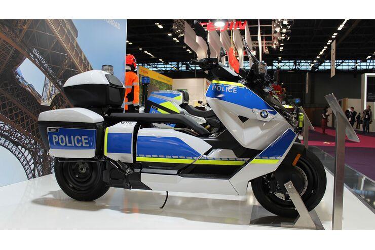 Neue BMW Polizei-Zweiräder: CE 04 und F 900 XR im Behördentrimm