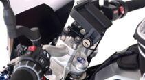 BMW F900R Hornigumbau Lenkraderhöhung