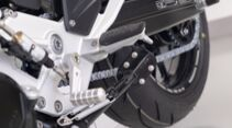 BMW F900R Hornigumbau Seitenständervergrößerung