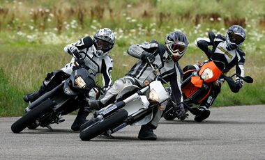 BMW G 650 Xmoto, KTM LC4 Supermoto, KTM 690 SMC R, Yamaha WR 250 X, Suzuki DR-Z 400 SM, Husqvarna 610 ie