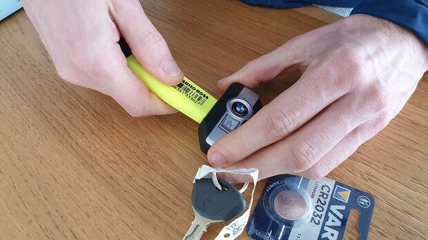 BMW R 1250 GS Dauertest Wechsel Transponderbatterie