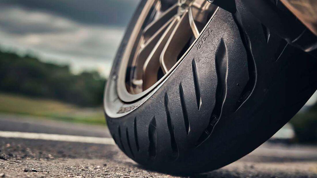 Bridgestone T32 Reifen