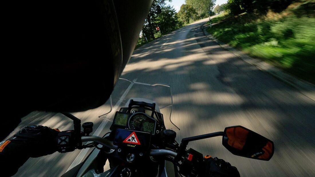 CMC Vernetze Motorräder