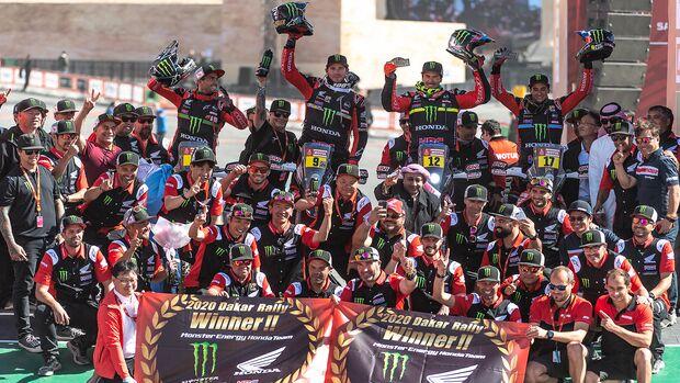 Dakar Sieger Ricky Brabec Honda Gruppenbild