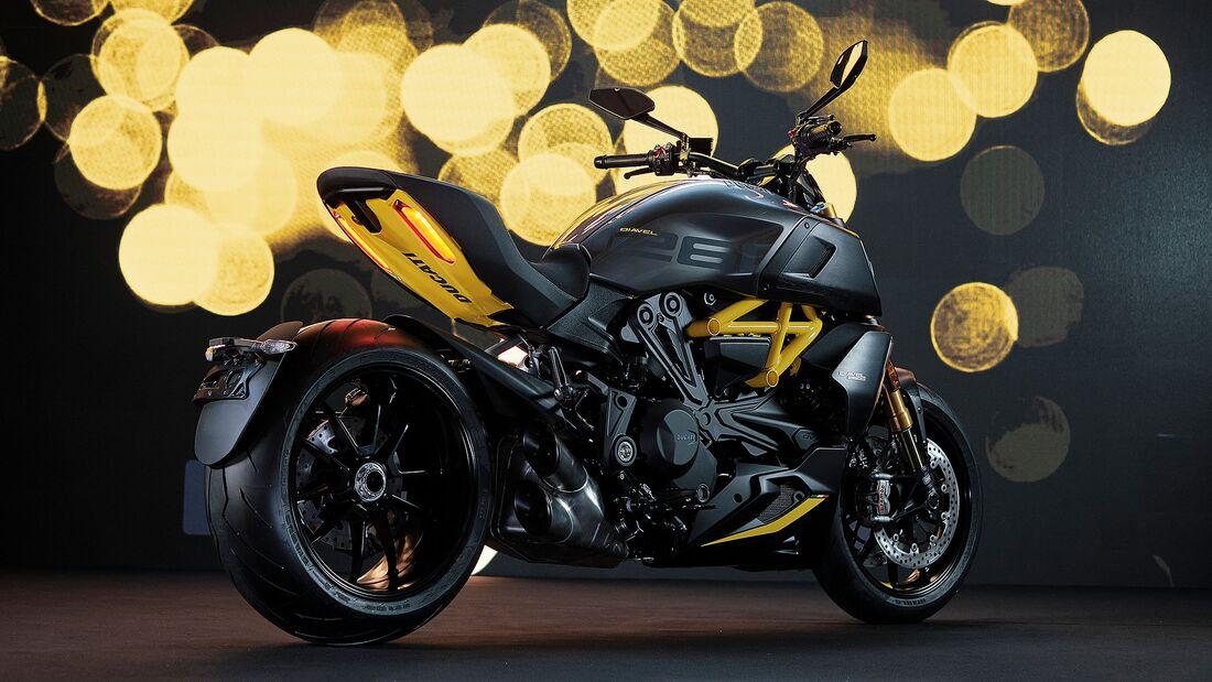 "Ducati Diavel 1260 S ""Black and Steel"""