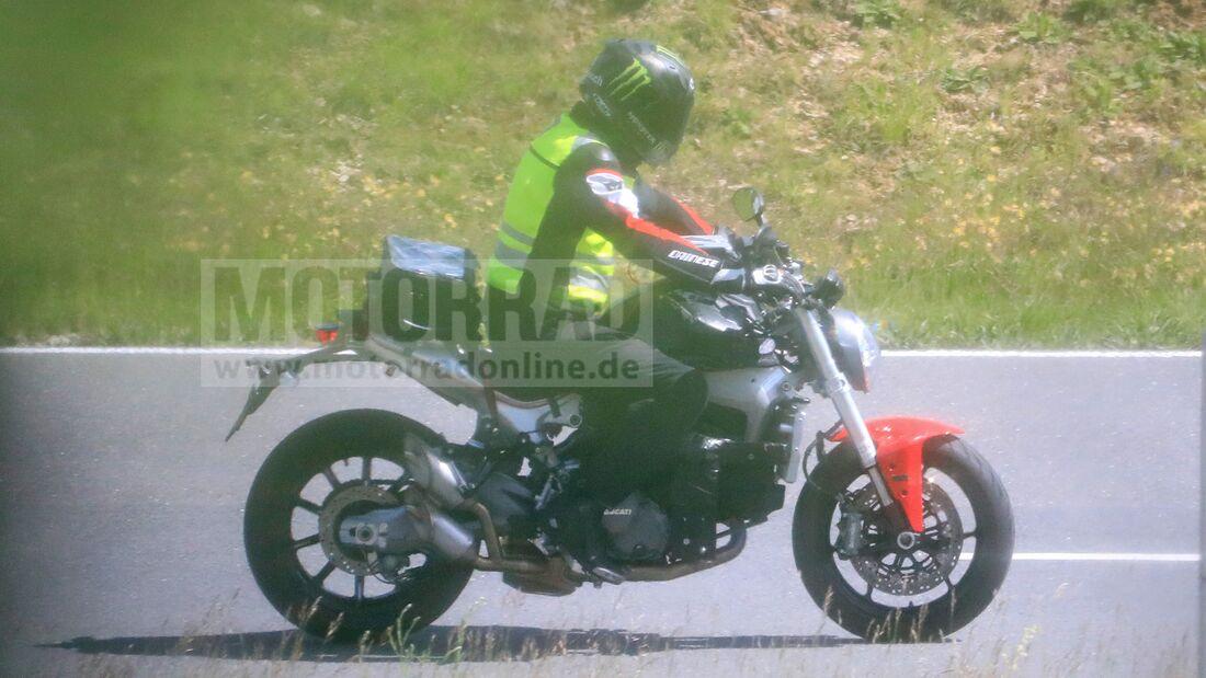 Ducati-Monster-2021-als-Erlkoenig-erwisc