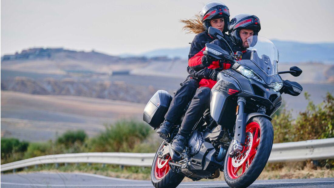 Ducati Multistrada V2 2022 trinh lang thay the cho nguoi anh em Multistrada 950 - 3