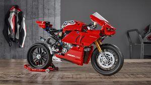 Ducati Panigale V4 R LEGO