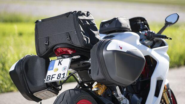 Ducati Supersport S mit Gepäcksystem.