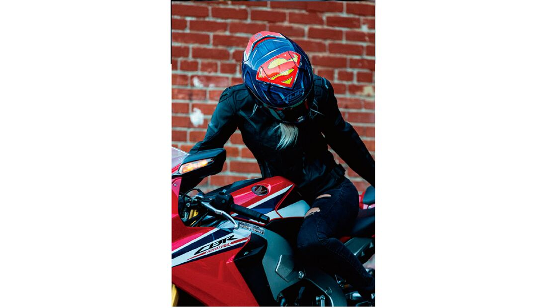 HJC RPHA 11 Superman