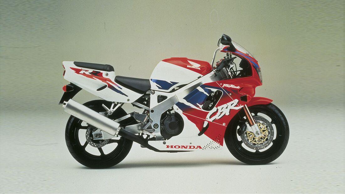 Honda CBR 900 RR Fireblade SC 28