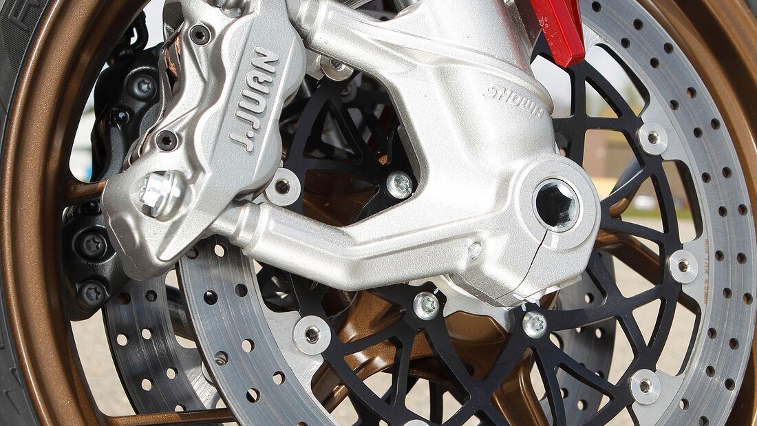 J. Juan? Der kaum bekannte spanische Hersteller unterstützt das Kawasaki-Superbike-Werksteam. Und auch die Bremse in der Zero funktioniert tadellos.