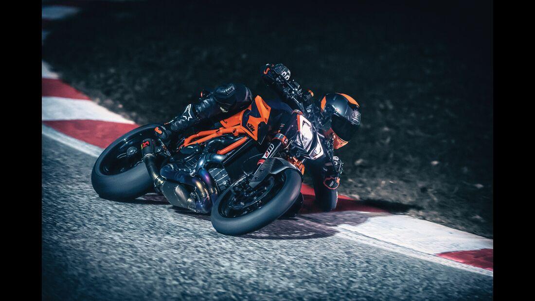 KTM 1290 Super Duke R (2020)