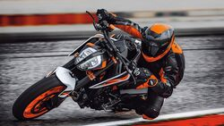 KTM 890 Duke Sperrfrist 5.11.2019
