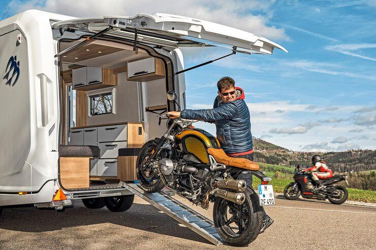 knaus deseo im test wohnwagen f r motorradfahrer. Black Bedroom Furniture Sets. Home Design Ideas