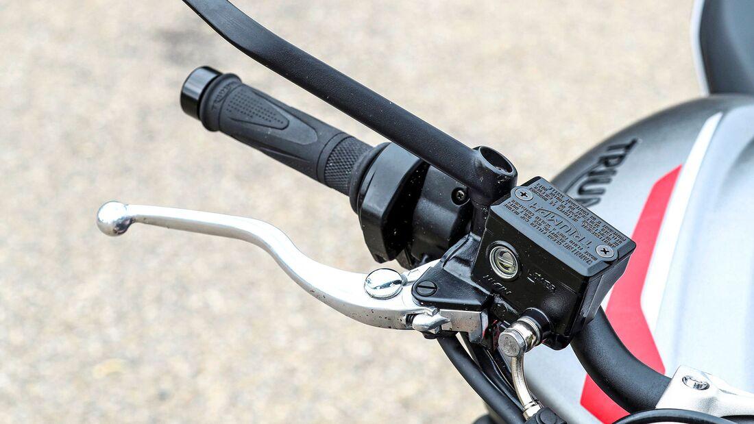Mittelklasse Naked Bikes Test