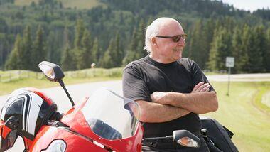 Motorrad Fahrer alt