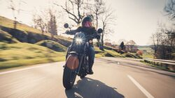 Motorrad-Neuzulassungen auf Frauen Honda CMX 500 Rebel