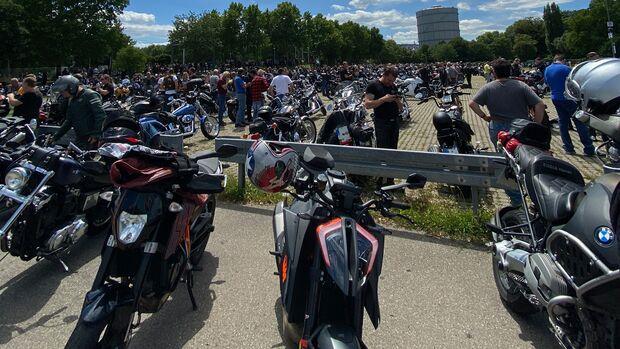 Motorraddemo in Stuttgart im Juli 2020.