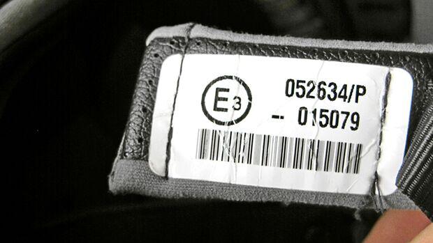 Motorradhelm ECE Etikett