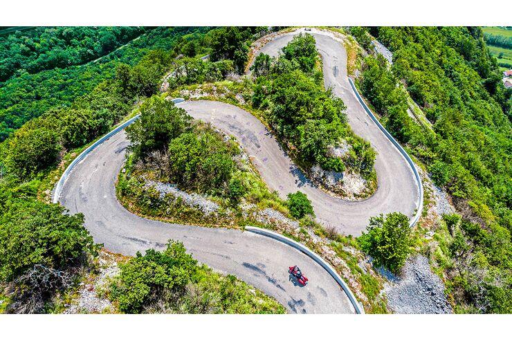 Motorradtour in Ain/Frankreich: Landschaftliche und kulinarische Vielfalt