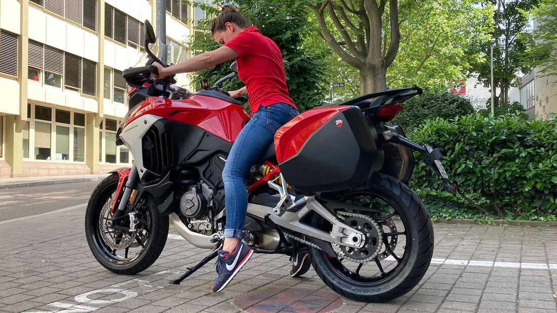 Motorraeder für kleine Leute Sitzprobe Ducati Multistrada V4