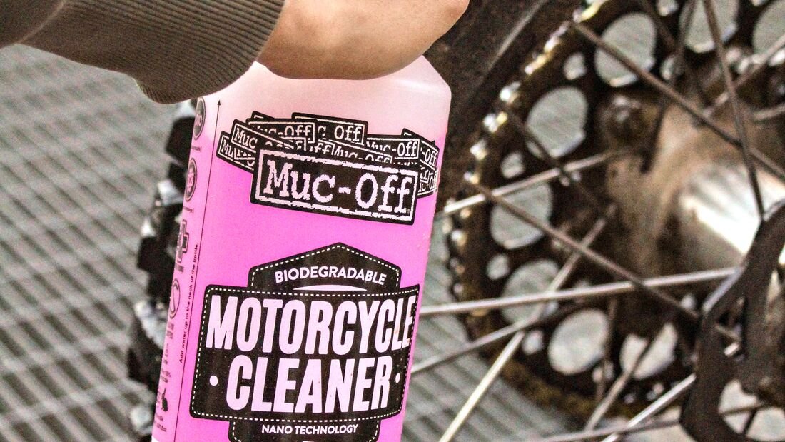 Muc-Off Nano Tech.