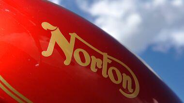 Norton 850 Commando, Schriftzug, Tank