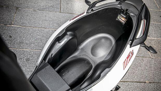 Piaggio MP3 300 hpe.