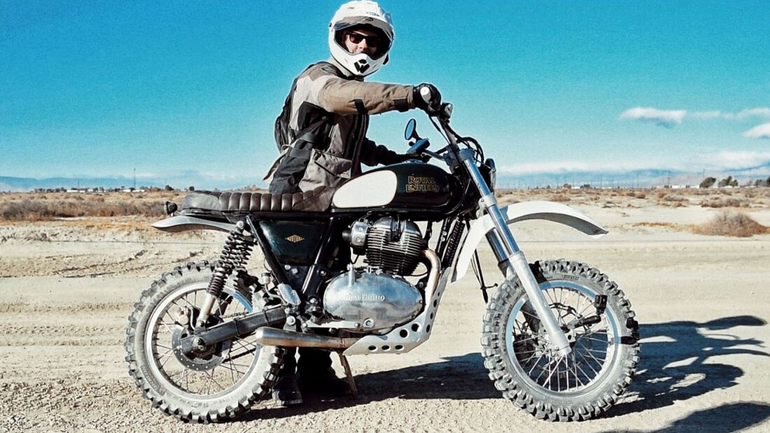 Revival X Royal Enfield Dessert Runner 652
