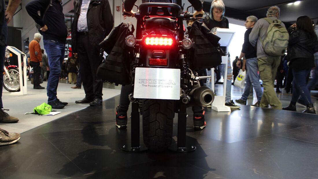 Sitzproben auf der EICMA 2019 Honda CMX 500 Rebel