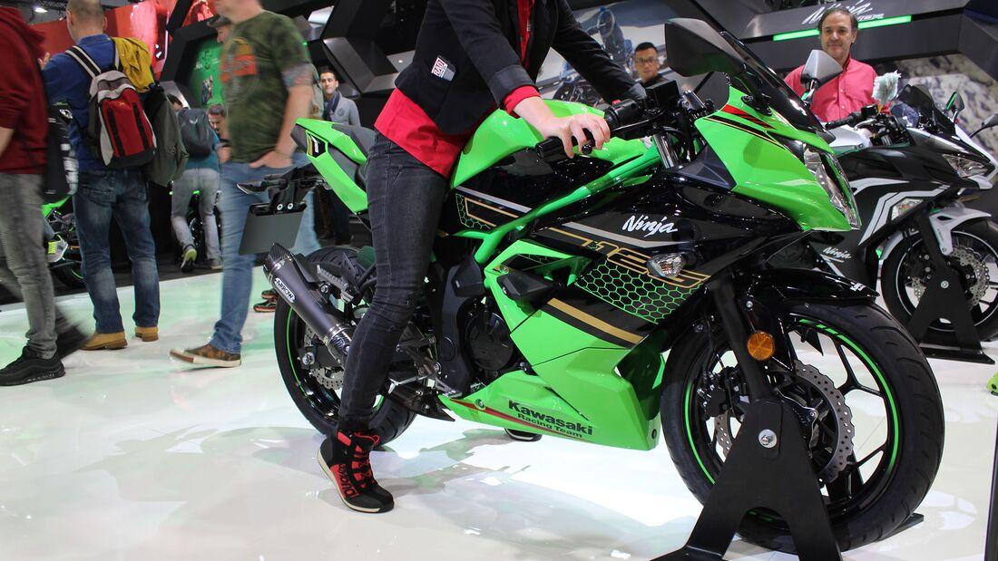 Sitzproben auf der EICMA 2019 Kawasaki Ninja 125