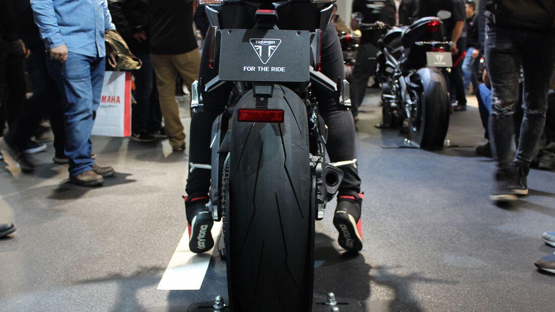 Sitzproben auf der EICMA 2019 Triumph Street Triple RS