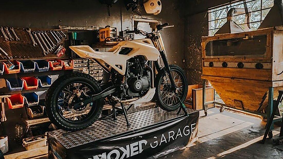 Smoked Garage Royal Enfield Himalayan SG 411