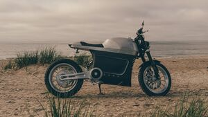 Tarform Luna Scrambler Edition.