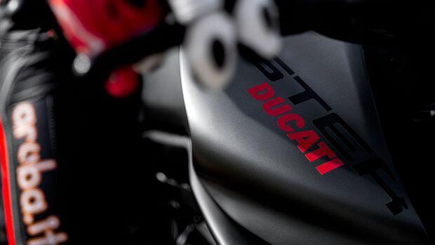Teaser Ducati Monster