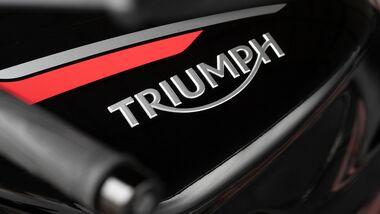 Triumph Street Triple R  Sperrfrist 11.2.13.00 Uhr