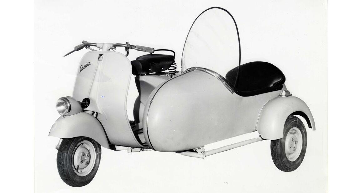 Vespa 125 mit Seitenwagen von 1955