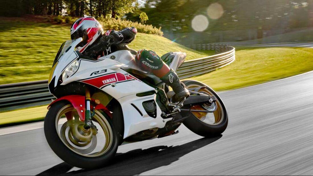 Yamaha Supersport 2022