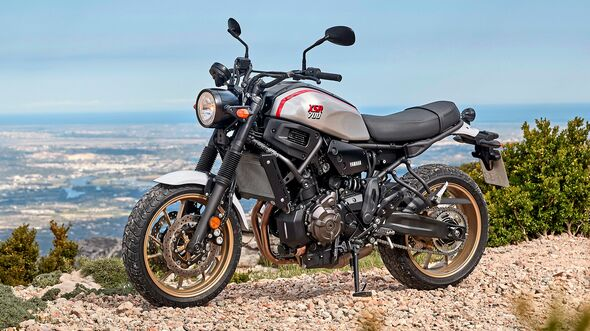 Yamaha XSR 700 XTribute.