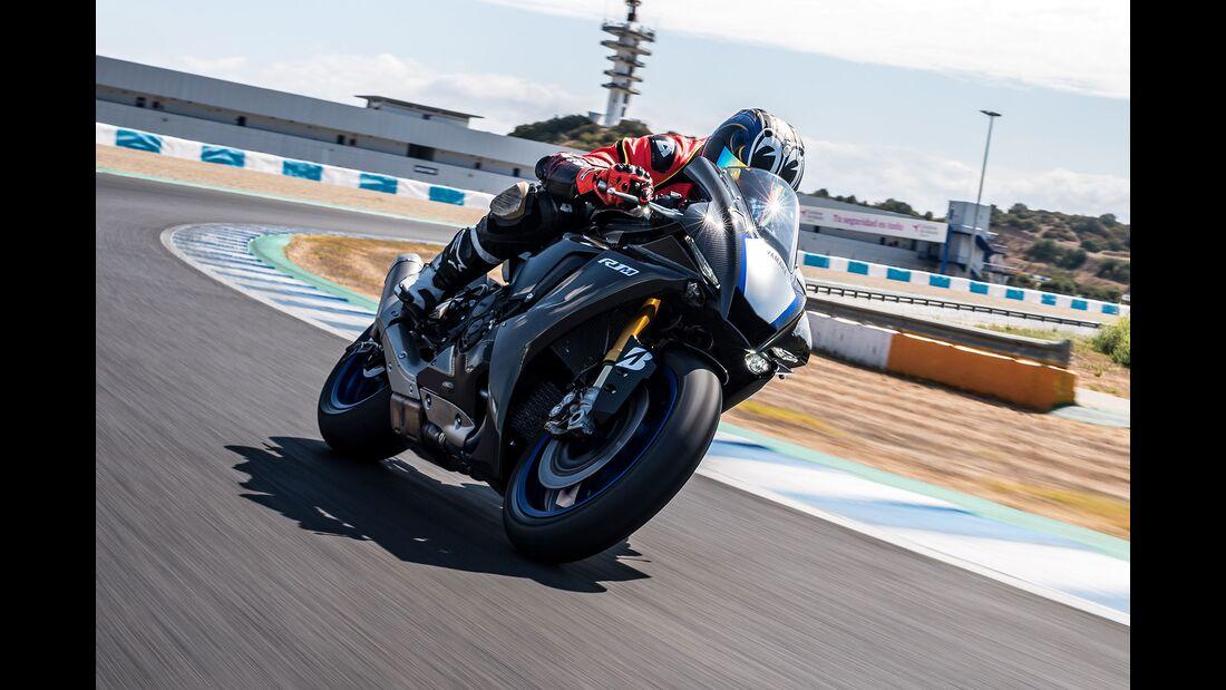 Yamaha YZF R1-M Fahrbericht Tobias Münchinger