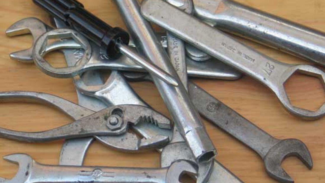 Werkzeug Set Bordwerkzeug oldtimer vintage Werkstatt Steckschlüssel Satz