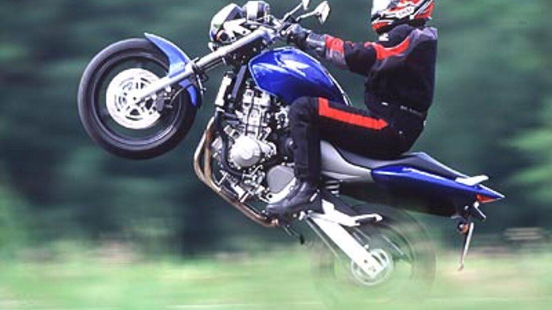 Top-Test Honda Hornet 900 - MOTORRADonline.de