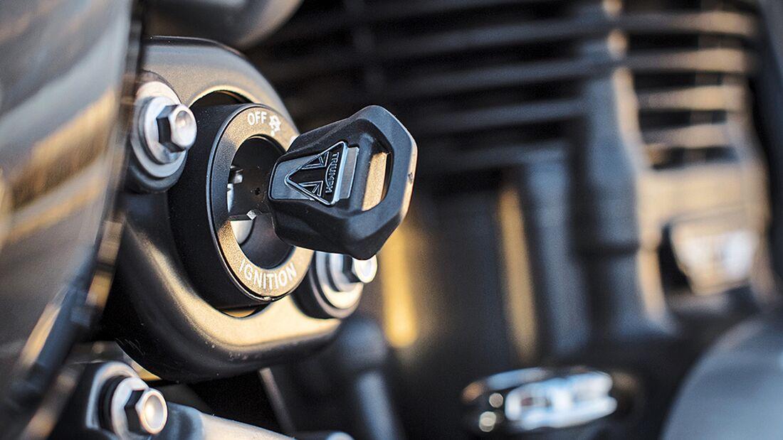 Triumph Bonneville Bobber im Fahrbericht - MOTORRADonline.de