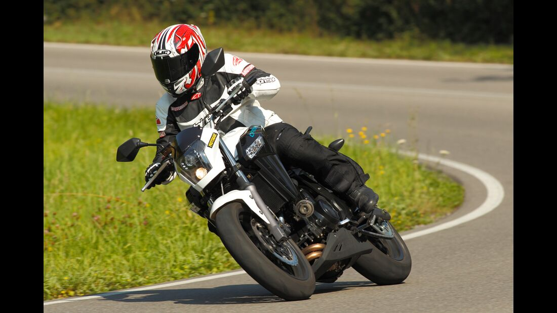 China-Bikes CF Moto 650 NK und Benelli BN 600 R im Test