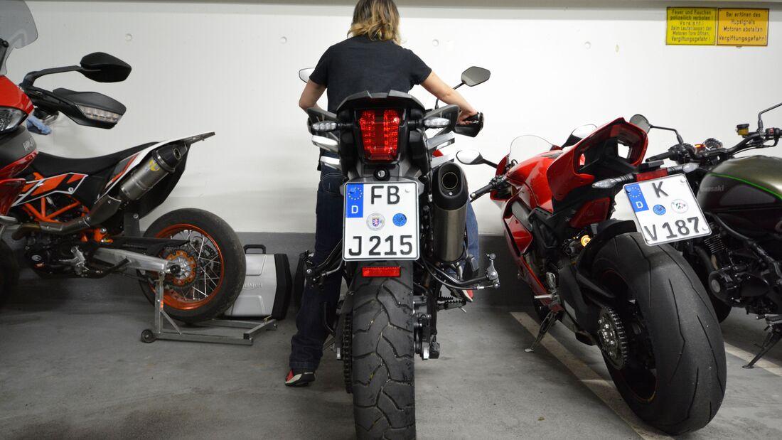 Motorräder für kleine Frauen und kleine Männer