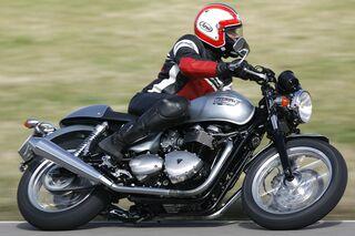 Triumph Thruxton 900 In Der Gebrauchtberatung Motorradonlinede