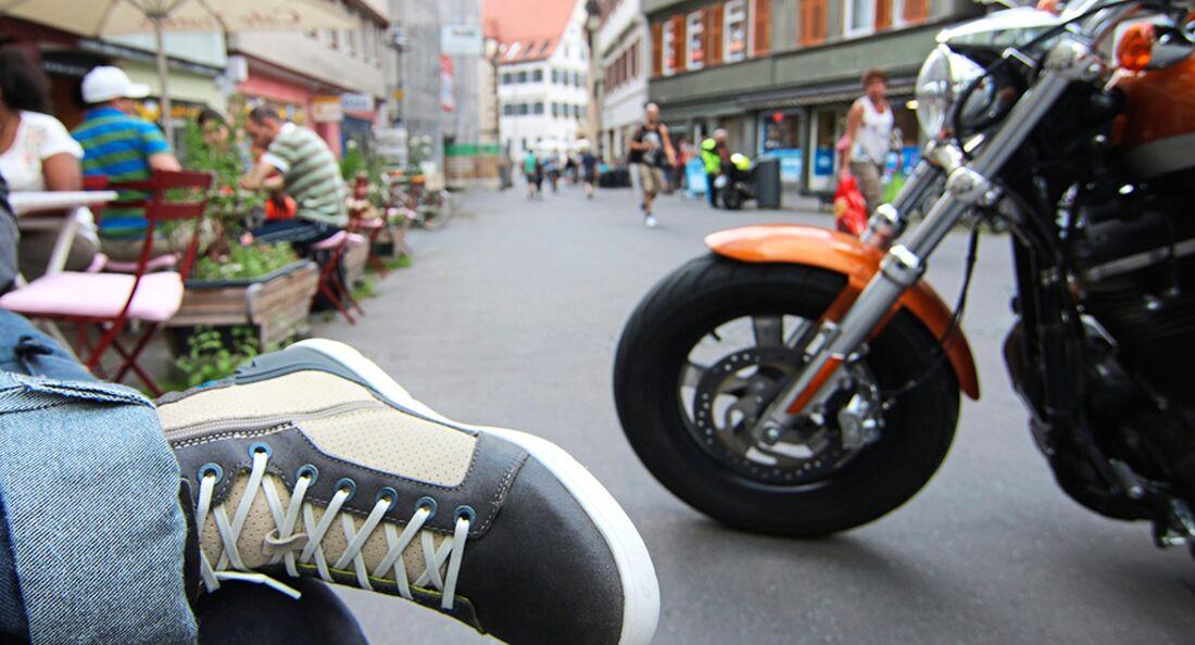 Test Boots, Stiefel und Sneaker für Motoradfahrer